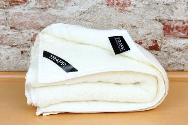 TRAPP. Handtuch ecru