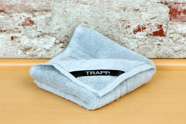 TRAPP. guest towels silver